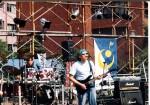 バンドを組んでボーカル&ギター演奏活動おしている見えない人の写真 クリ ックすると拡大します